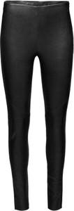 Czarne legginsy Y.A.S w rockowym stylu