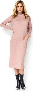 Różowa sukienka Makadamia z długim rękawem w stylu casual midi