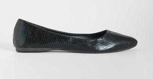 Czarne baleriny Sinsay z płaską podeszwą w stylu casual