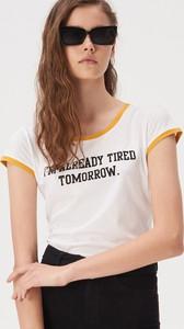 Żółty t-shirt Sinsay w młodzieżowym stylu z okrągłym dekoltem