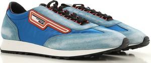 Niebieskie buty sportowe Prada w młodzieżowym stylu sznurowane