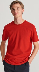 Czerwony t-shirt Reserved z dzianiny