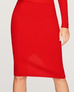 Czerwona spódnica Reserved midi z dzianiny