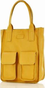 Żółta torebka MAZZINI w wakacyjnym stylu duża