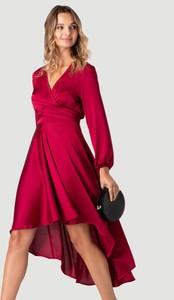 Sukienka Urban Touch z dekoltem w kształcie litery v z długim rękawem
