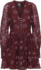 Czerwona sukienka Custommade z dekoltem w kształcie litery v