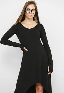 Czarna sukienka Freeshion z długim rękawem w stylu casual