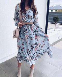 Sukienka Kendallme trapezowa z długim rękawem midi