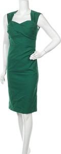 Zielona sukienka Belle Poque prosta midi z dekoltem w kształcie litery v
