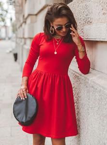 Czerwona sukienka SELFIEROOM z okrągłym dekoltem z bawełny w stylu casual
