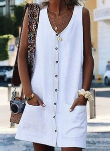 Sukienka Arilook na ramiączkach szmizjerka z dekoltem w kształcie litery v