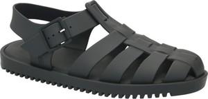 Czarne sandały Melissa