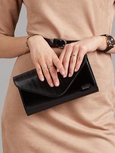 Czarna torebka Sheandher.pl ze skóry ekologicznej w stylu glamour lakierowana
