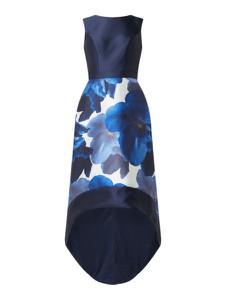 Sukienka Chi Chi London z okrągłym dekoltem bez rękawów