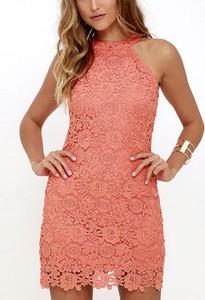Różowa sukienka Cikelly prosta bez rękawów z okrągłym dekoltem