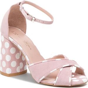 Różowe sandały L37 na średnim obcasie w stylu casual z klamrami