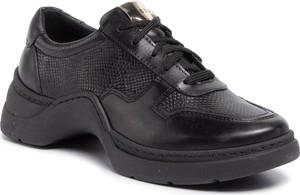 Sneakersy Nessi sznurowane