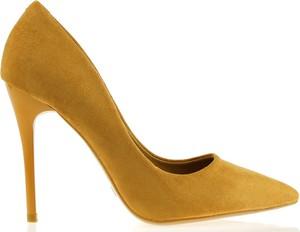 Brązowe szpilki Comer Collection ze spiczastym noskiem w stylu klasycznym na wysokim obcasie