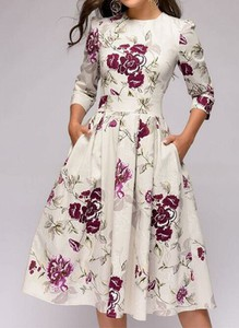 Sukienka Arilook z długim rękawem