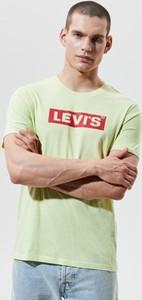 Zielony t-shirt Levis w młodzieżowym stylu