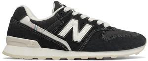 Buty sportowe New Balance na koturnie z zamszu w sportowym stylu