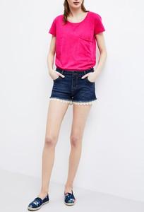 Granatowe szorty moodo.pl w młodzieżowym stylu z jeansu