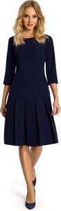 Granatowa sukienka MOE z okrągłym dekoltem