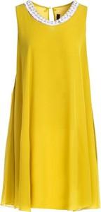 Żółta sukienka Multu dla puszystych bez rękawów z okrągłym dekoltem