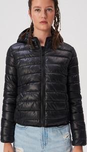 Czarna kurtka Sinsay w stylu casual krótka