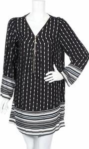 Czarna sukienka Gabrielle By Molly Bracken prosta mini w stylu casual