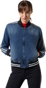 Granatowa kurtka Pepe Jeans w młodzieżowym stylu krótka