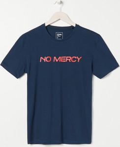 T-shirt Sinsay w młodzieżowym stylu z nadrukiem