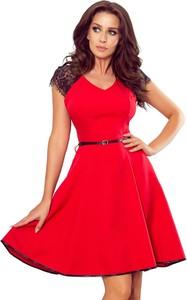 Czerwona sukienka NUMOCO mini z dekoltem w kształcie litery v