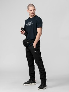 Czarne spodnie 4F