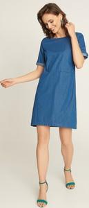 Sukienka QUIOSQUE mini z okrągłym dekoltem