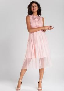 Różowa sukienka Renee rozkloszowana z okrągłym dekoltem bez rękawów