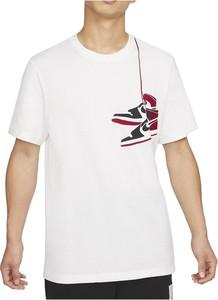 T-shirt Nike w młodzieżowym stylu