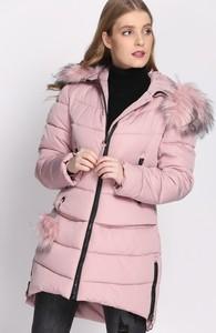 Różowa kurtka born2be w stylu casual długa