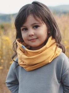 Żółty szalik M-art-a-baby z dzianiny