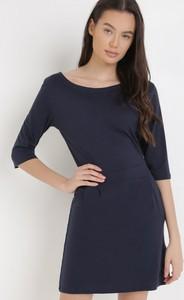 Granatowa sukienka born2be z okrągłym dekoltem mini
