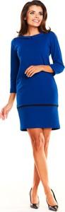 Niebieska sukienka Awama ołówkowa z długim rękawem z okrągłym dekoltem