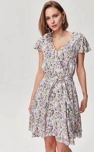 Sukienka FEMESTAGE Eva Minge z dekoltem w kształcie litery v z krótkim rękawem mini