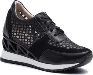 Sneakersy Quazi na koturnie sznurowane