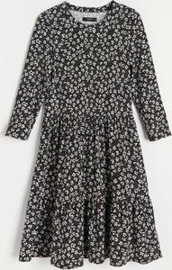 Sukienka Reserved z długim rękawem mini w stylu boho