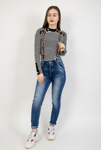 Granatowe jeansy Olika w street stylu z jeansu