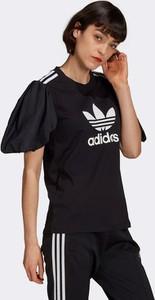 Czarny t-shirt Adidas Originals w sportowym stylu