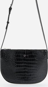 Czarna torebka Reserved