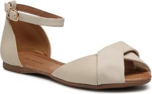 Sandały Clara Barson ze skóry z klamrami