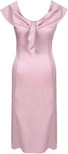 Różowa sukienka Fokus dopasowana z okrągłym dekoltem bez rękawów