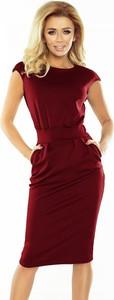 Czerwona sukienka NUMOCO z okrągłym dekoltem z krótkim rękawem